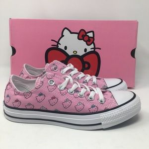 Converse Hello Kitty Chuck Taylor Low Prism OC11